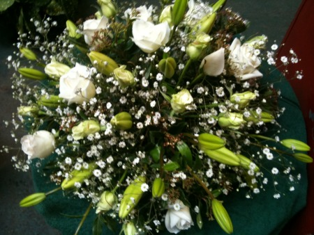Valentines day flowers delivery -  White Simplicity